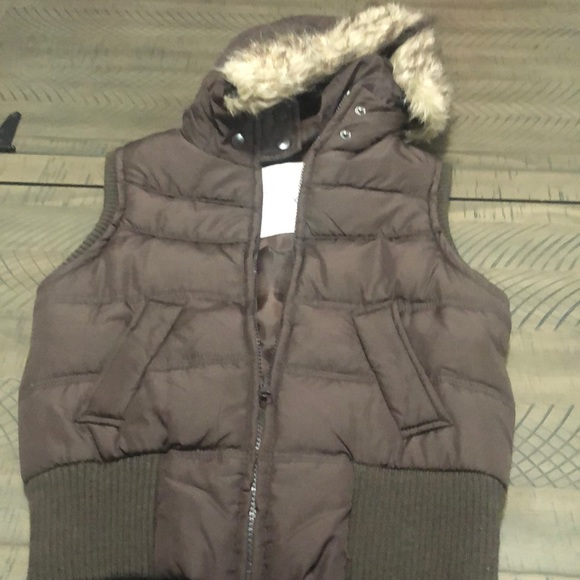 Aeropostale xsmall puffy vest brown with hood